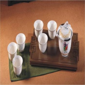 万春和龙 凤 呈 祥茶具