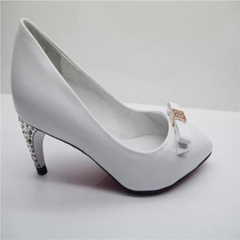 IGGS912-36中跟尖头浅口低帮水钻真皮白色女式单鞋