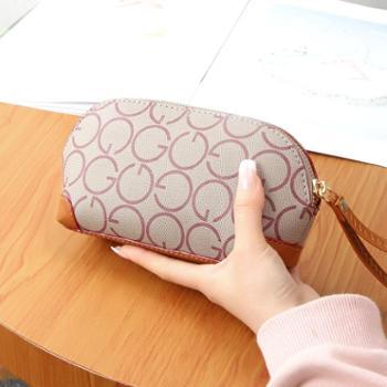 中年女士贝壳包妈妈买菜手拿包大容量手腕包老年人零钱手机小包包