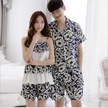 情侣睡衣男+女共两套(尺码在备注中标注女款有X码/L码,男款XL/XXL码)