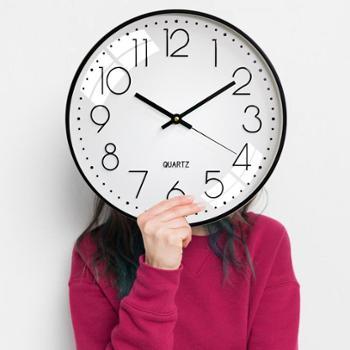 12英寸钟表挂钟工厂*石英钟现代简约塑料客厅数字时钟